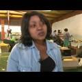 حقيبة مدرسية لمواجهة انقطاع الكهرباء في جنوب أفريقيا (فيديو)