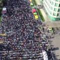 المسلمون يؤدون صلاة العيد بأول أيام الفطر وقرابة ربع مليون في الأقصى