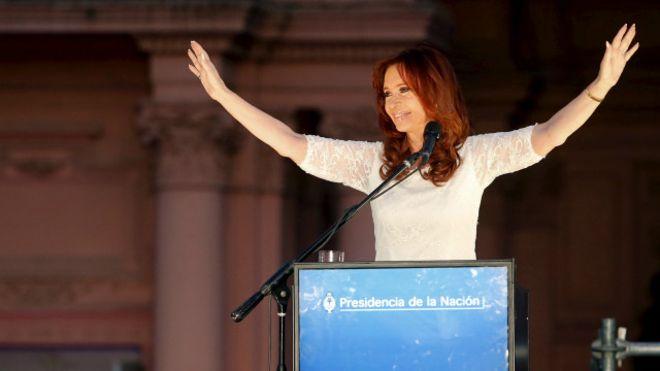 كريستينا دي كيرشنر أول رئيسة منتخبة في الأرجنتين