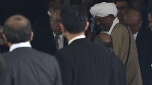 الرئيس السوداني عمر حسن البشير في إندونيسيا
