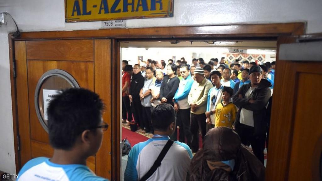 أقيمت الصلاوات في مساجد بإندونيسيا