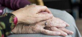 """بمحض الصدفة دراسه توقف الشيخوخةوإنما قد تعكس أيضا آثارها وتجعل الشخص """"أصغر عمرا""""."""